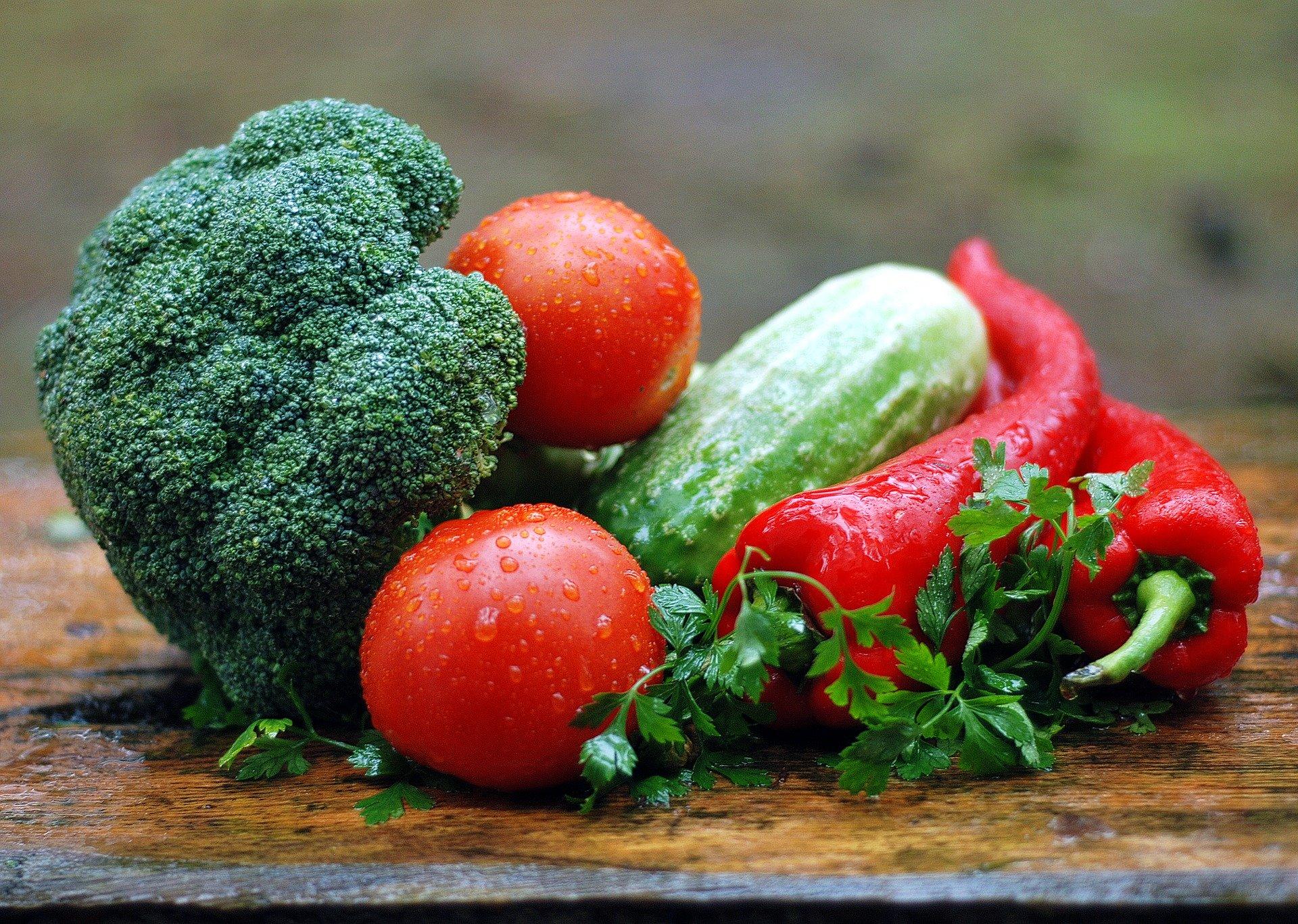 Cara Menyimpan Sayur di Kulkas Dengan Wadah