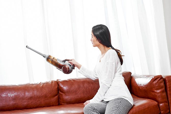 Cara Mencuci Sofa Sendiri